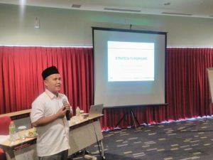 Pemberian Materi Strategi Fundraising Oleh Jefree Fahana