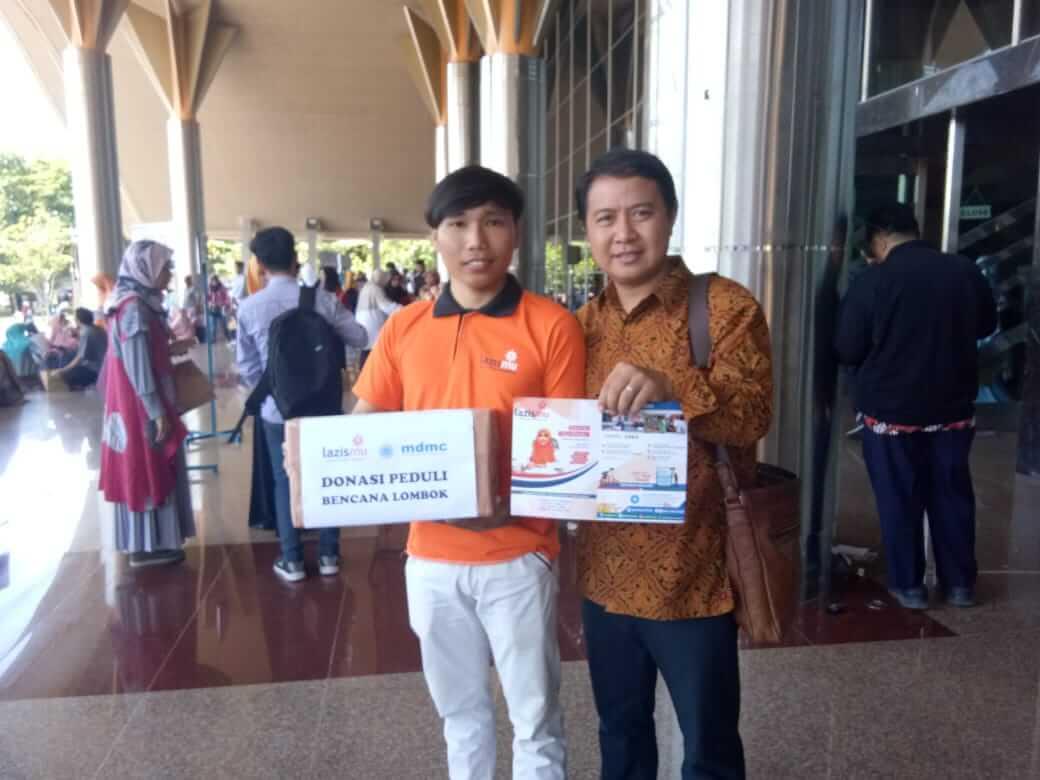 Galang dana lombok di temu wali mahasiswa baru UMY