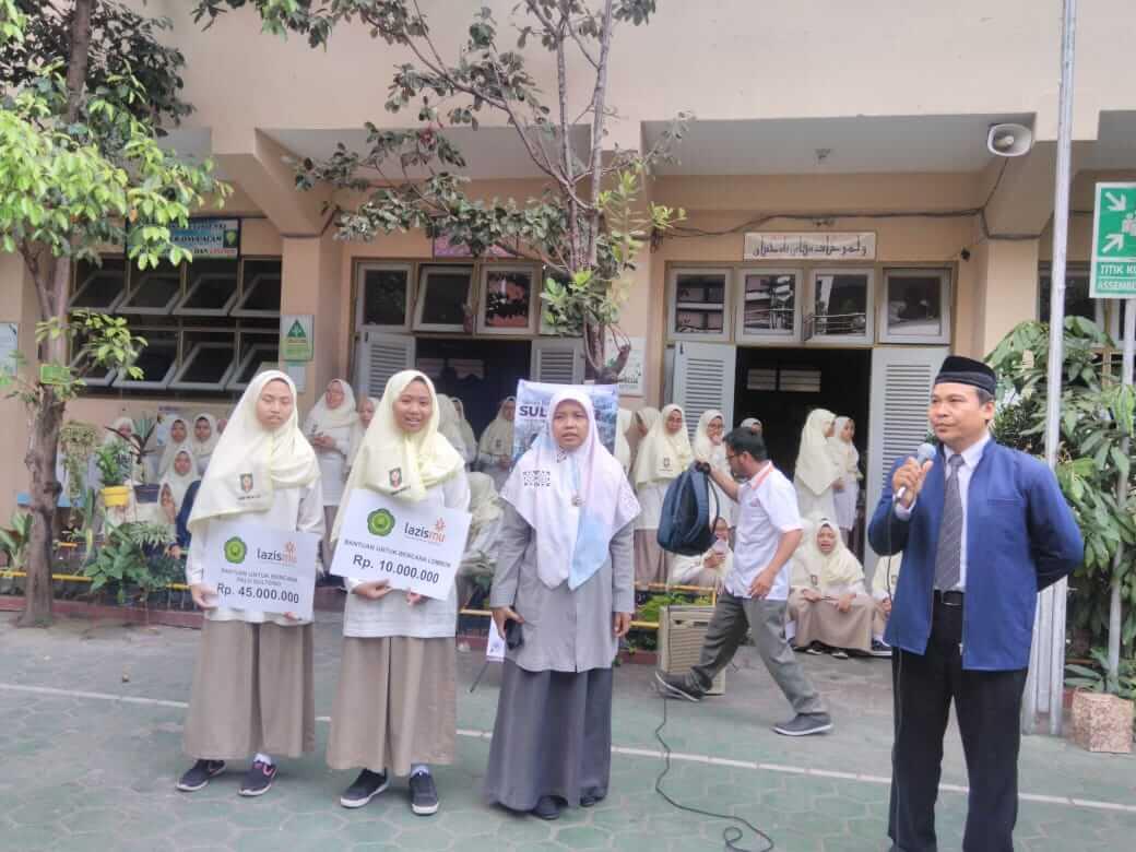 Donasi bencana Palu dan lombok dari Madrasah Muallimaat