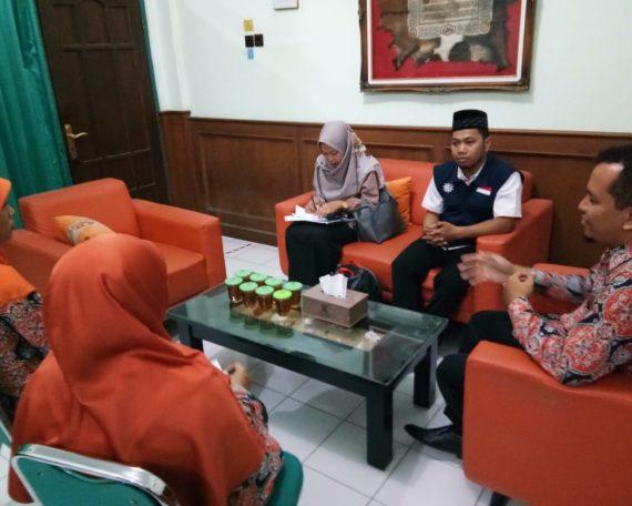 Kunjungan lazismu DIY ke SMK MUH 1 Moyudan